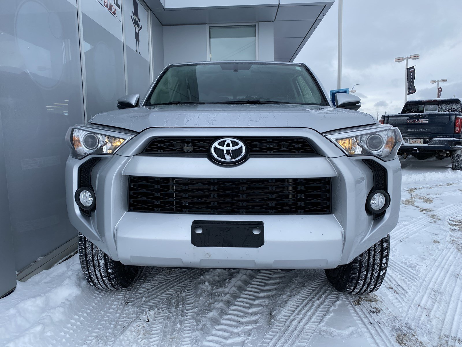 Certified Pre-Owned 2019 Toyota 4Runner SR5 4WD LEATHER SUNROOF NAV THIRD ROW